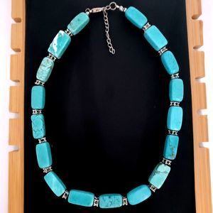 Howlite Turquoise Color Stone Necklace